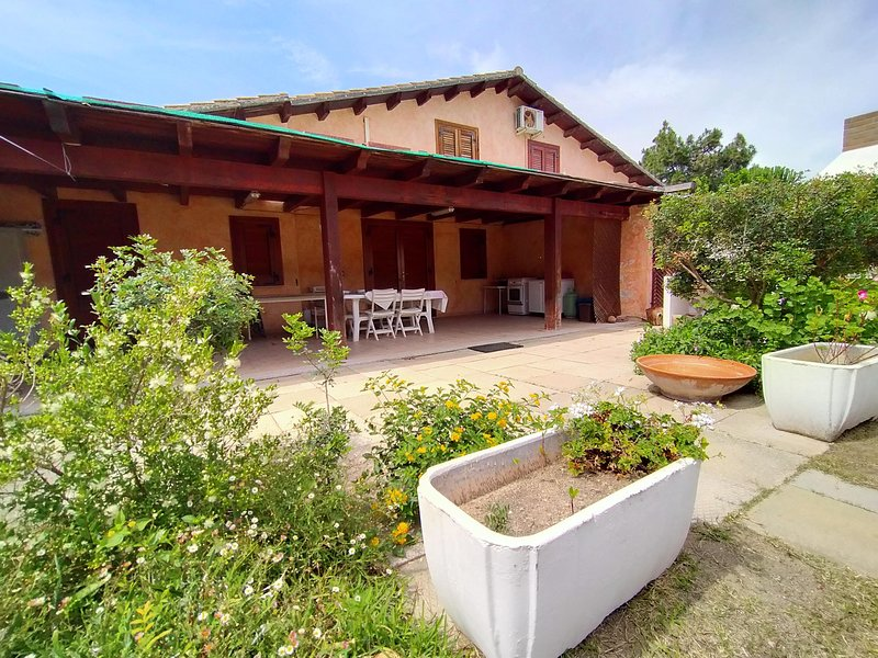 Villetta Ligias PORTO PINO MARE, vacation rental in Sant'Anna Arresi