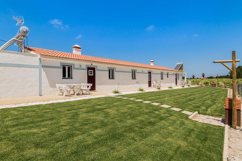 Lycium White Villa, Aljezur, Algarve, !New!, holiday rental in Rogil