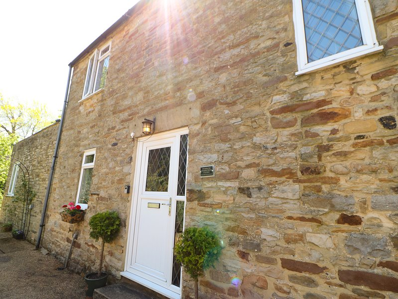 BILBERRY NOOK COTTAGE, woodburning stove, pet-friendly, WiFi, in Westgate near, holiday rental in Rookhope