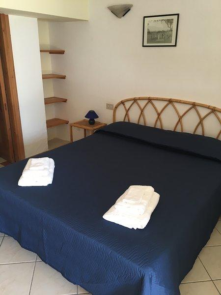 Centralissimo appartamento a pochi passi dal mare, casa vacanza a Santa Marina Salina