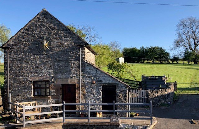 Cosy 1 bedroom barn conversion in beautiful secluded Peak District location, vacation rental in Wetton