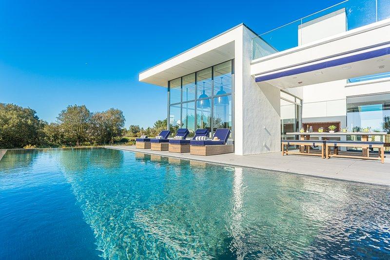 Villa Montchavin - New!, vacation rental in Quinta Do Conde
