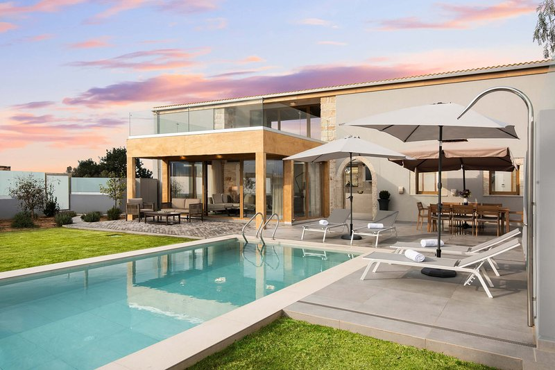 Brand new villa with private pool and seaview, holiday rental in Sternes