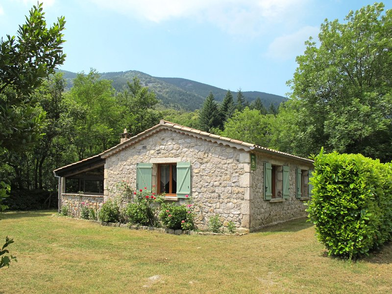 Les Galets (VGG100), vacation rental in Rocles