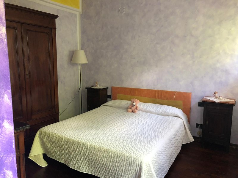 BILOCALE IN  ROCCA CANAVESE, vacation rental in Castellamonte