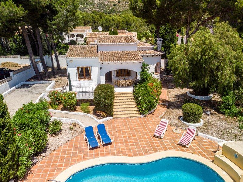 Charming 3-Bed Villa in Javea, holiday rental in Jesus Pobre