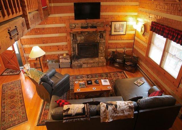 Log Cabin,Wood Fireplace,HotTub,WiFi,Decks,Trails, vacation rental in Lenoir