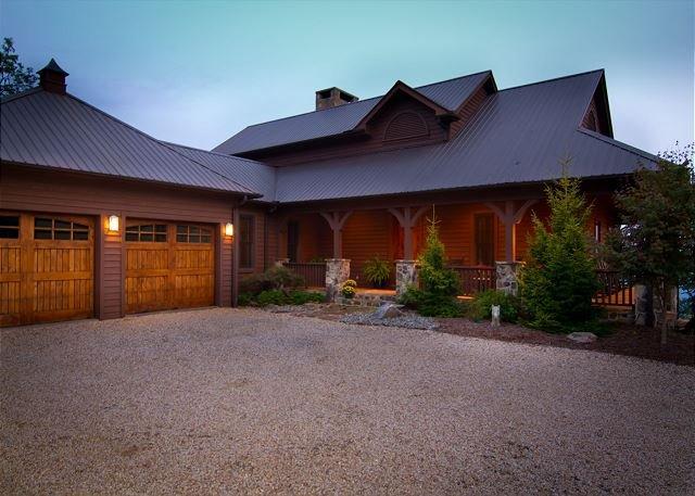 Mountain Lodge,Views,Pool Table,Horse/Pet-Friendly, holiday rental in Ferguson