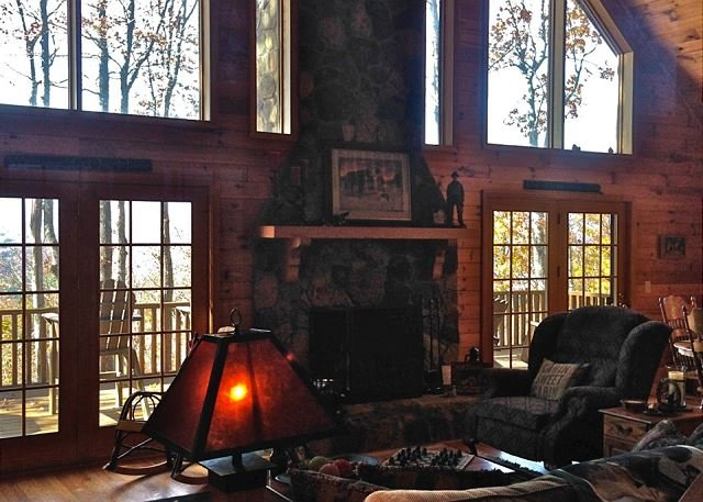 Sunset Ridge-Log Cabin,Views,Deck,HotTub,Trails, holiday rental in Ferguson