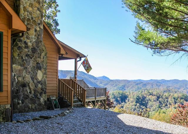 Mountain Cabin,Panoramic View,Hot Tub,WiFI, Grill,Deck, holiday rental in Ferguson