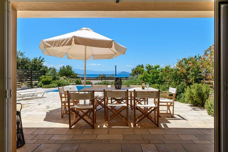 Porto Aqua Vista - Premium Seaside Villa w/ pool, location de vacances à Iria
