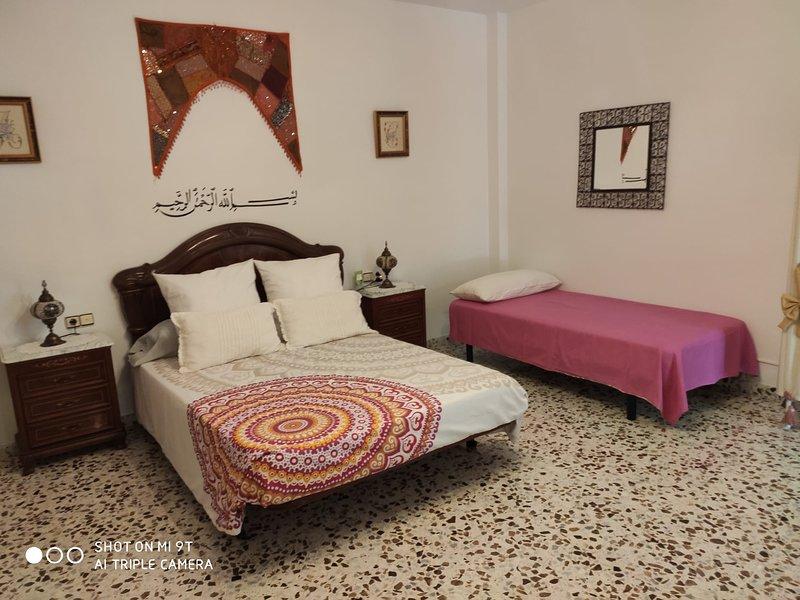 HABITACIÓN CAMEL 1 - HABITACIONES 'EL RENGUE', vacation rental in Colmenar