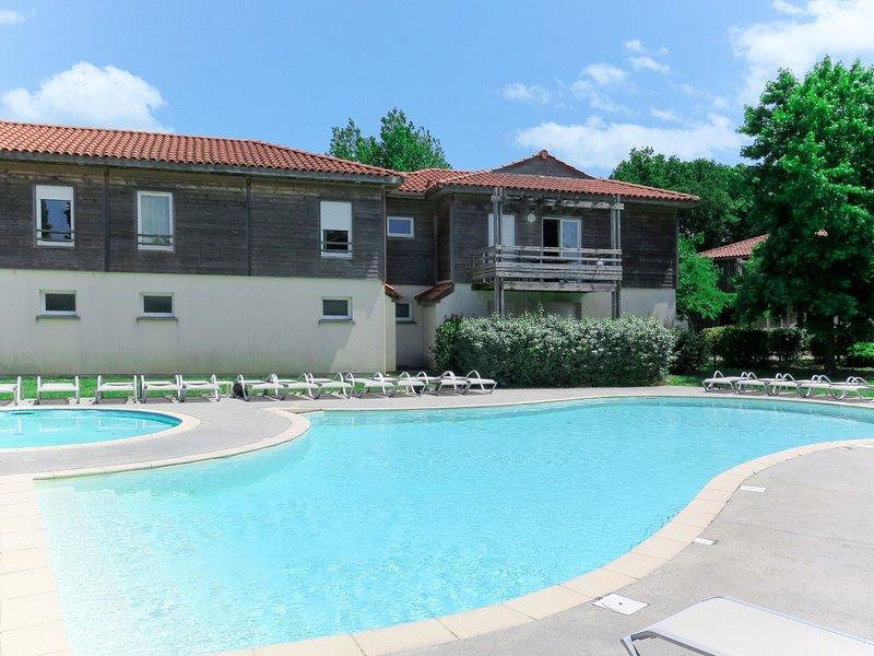Les Terrasses du Lac (MIZ800), holiday rental in Saint-Paul-en-Born