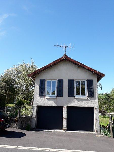 Maisonnette de vacances pour deux., holiday rental in Mur-de-Barrez