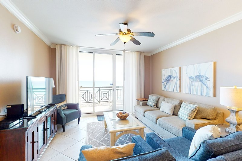 Condo w/ Pools Onsite, Nearby Activities, Shops, Restaurants!, holiday rental in Fort Walton Beach
