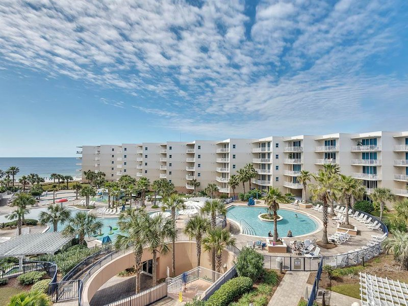 Picture-Perfect Beach-Front Condo At Waterscape! 490 Feet Of Private Beach!, holiday rental in Fort Walton Beach
