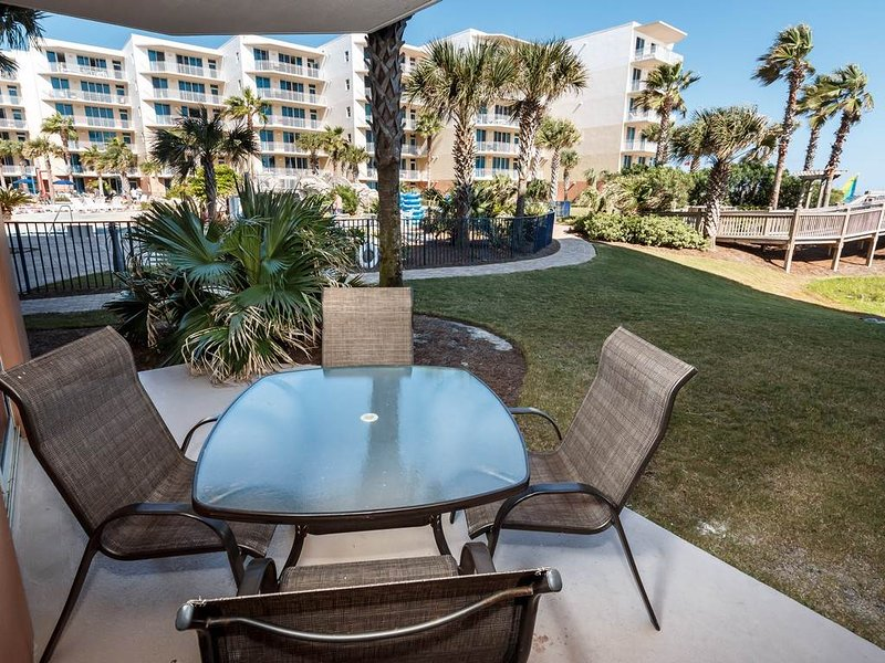 1st Floor Elegant, Open Condo At Waterscape! 490 Feet Of Private Beach!, holiday rental in Fort Walton Beach