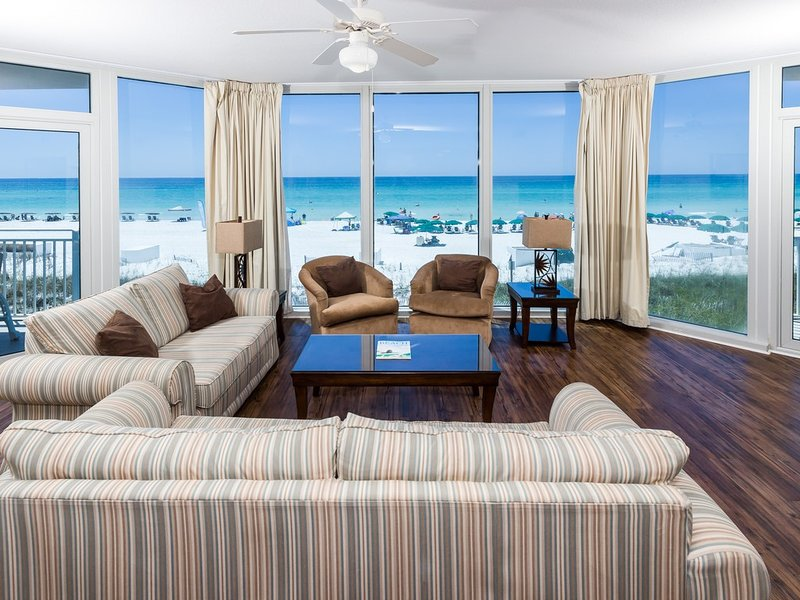 Gulf-Front Condo At Waterscape! Steps To Beach! Floor-To-Ceiling Windows! More!, holiday rental in Fort Walton Beach