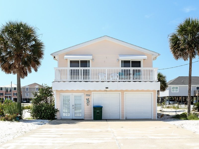 Dog-Friendly Home, Steps To The Gulf, Minutes From Dining, holiday rental in Navarre