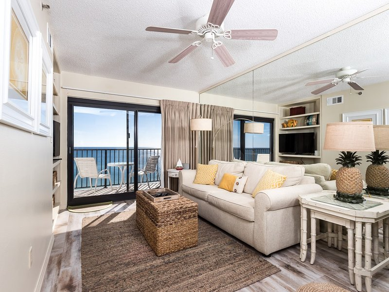 7th Floor Dog-Friendly Condo! Incredible Gulf-Front Views Plus!, holiday rental in Navarre