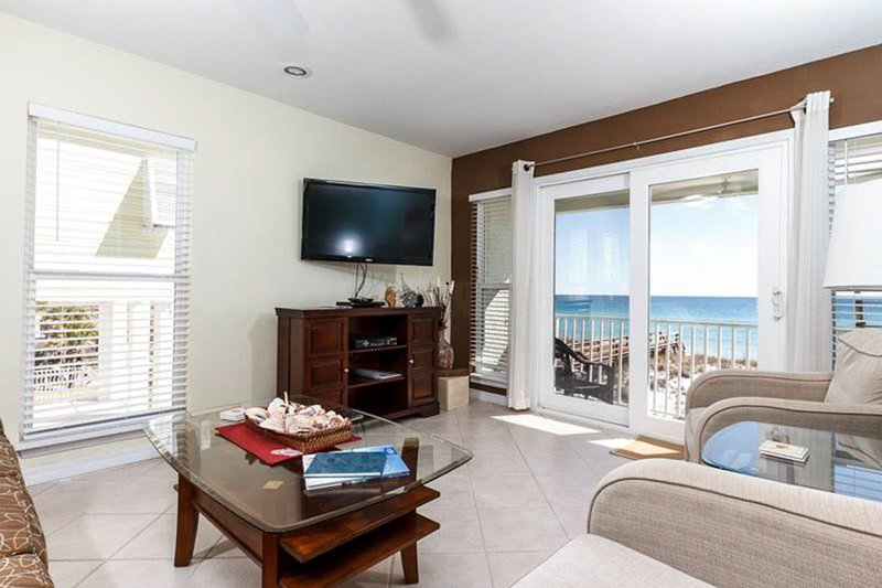Dog-Friendly Vacation Rental In Navarre Beach, Gulf-Front Balcony, holiday rental in Navarre