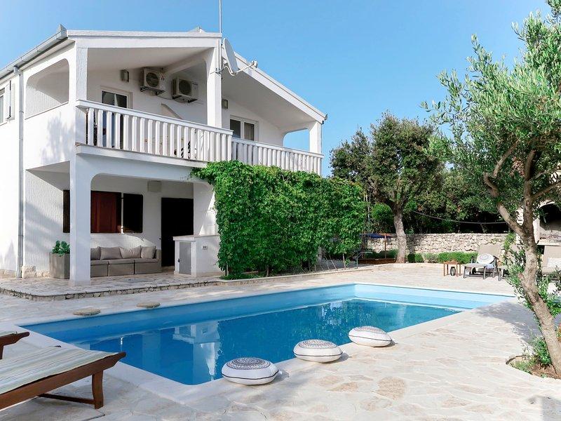 Neka (TGR615), vacation rental in Sevid