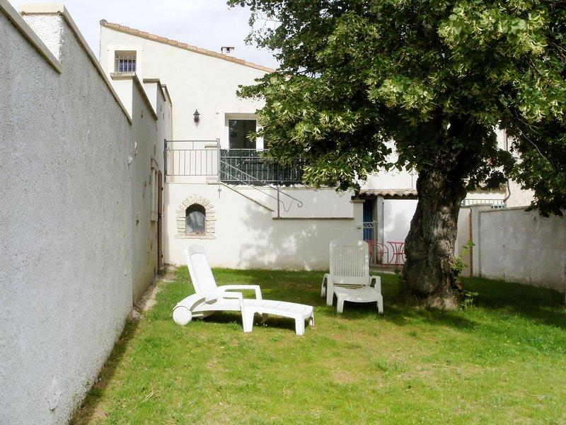 L'Amandier (VRS100), vacation rental in Valreas