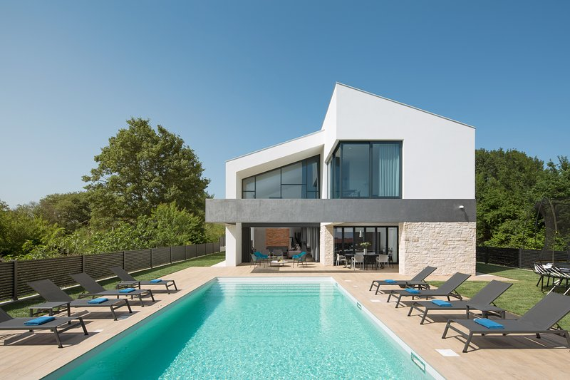 Villa ATRIA, vacation rental in Liznjan