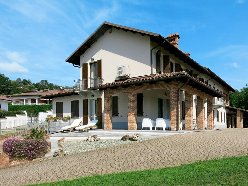 Ca' d'Bertu (AST175), holiday rental in Stazione di Portacomaro