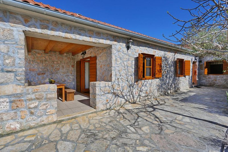 Two bedroom house Sukošan, Zadar (K-18279), Ferienwohnung in Debeljak