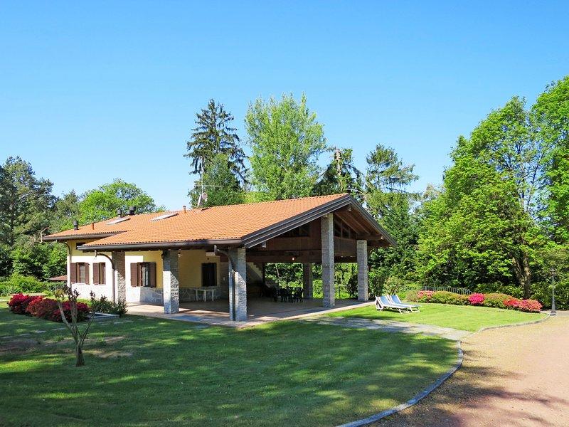 Silvana (LVM201), vacation rental in Laveno-Mombello