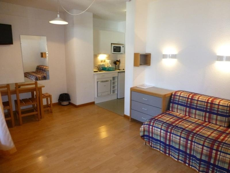 STUDIO 2 PERSONNES CENTRE VILLE, holiday rental in Montagny