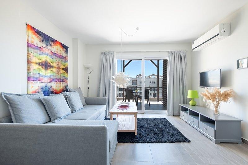 Mozart Penthouse & Spa Tub with Sea View, alquiler vacacional en Yeni Erenkoy