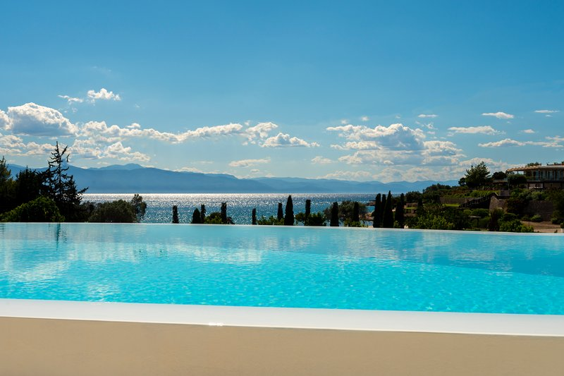 CROWN JEWEL VILLA, holiday rental in Kosta