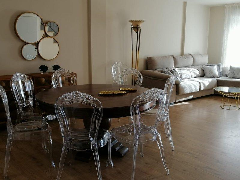 LUXURY TARIFA APARTAMENTO CON PISCINA, holiday rental in Tarifa