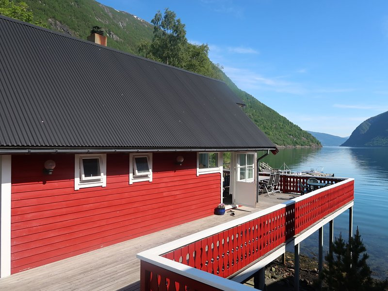 Njord (FJS603), holiday rental in Nese