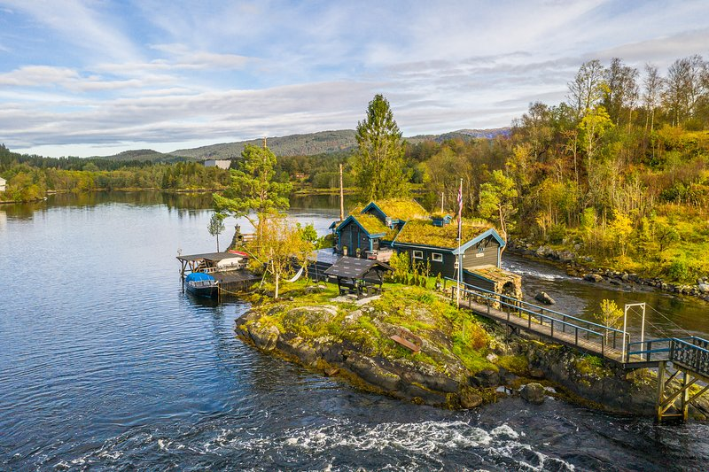 Fairytale island for Rent, 'Eventyrholmen', vacation rental in Lindas Municipality