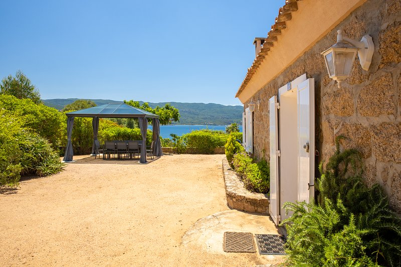 Amazing house with sea view & Wifi, casa vacanza a Pila-Canale