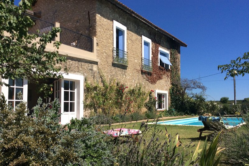 Maison Paradis - Large Country Home with Pool, Sleep 10, alquiler vacacional en Puimisson