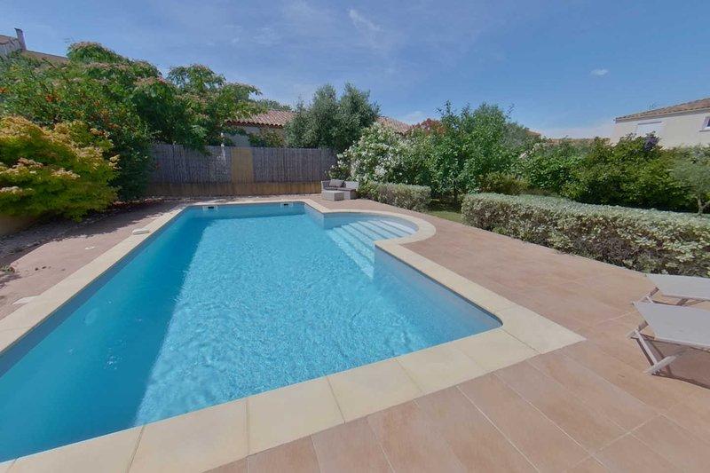 Villa Rosier - Family Holiday home with Pool, Near Pezenas, aluguéis de temporada em Nezignan-l'Eveque
