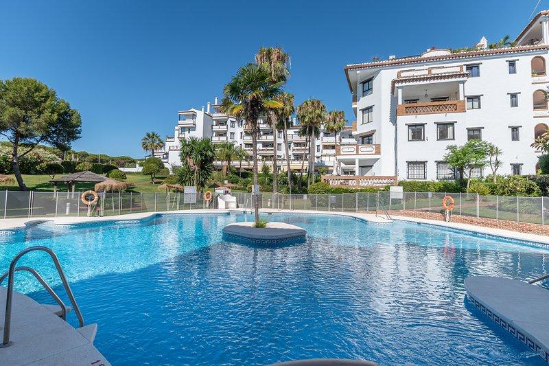 new! golf region marbella-   labandera  100 m2 apartment 250m from the beach, vacation rental in Mijas