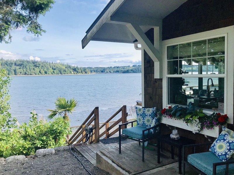 Beautiful Puget Sound Waterfront House Shelton WA, location de vacances à Shelton