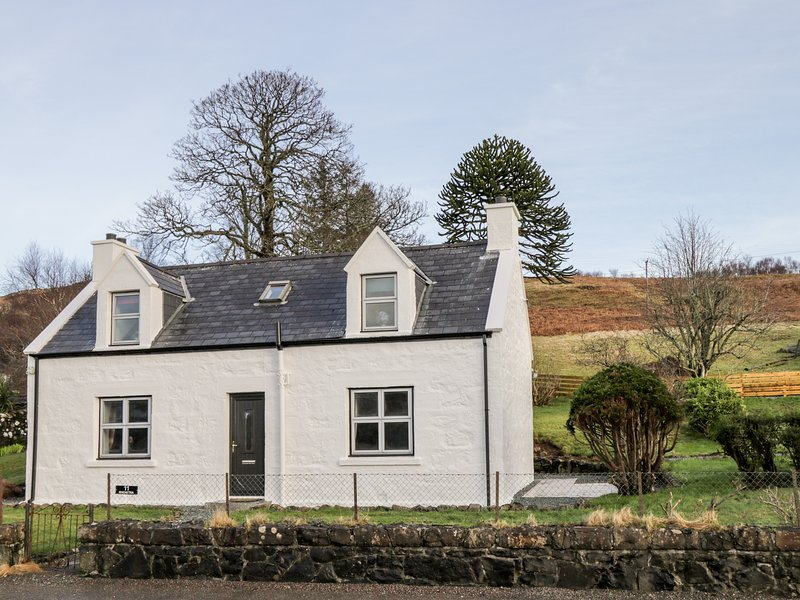 Croft No. 11, Portree, holiday rental in Treaslane