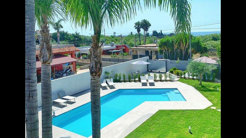 Casa vacanza Veronique in Villa. A soli 150 m dalla spiaggia Tremoli., casa vacanza a Capo Negro