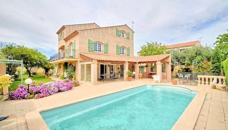 Villa Mory - Serignan villa near beach with private pool, sleeps 8, vacation rental in Villeneuve les Beziers