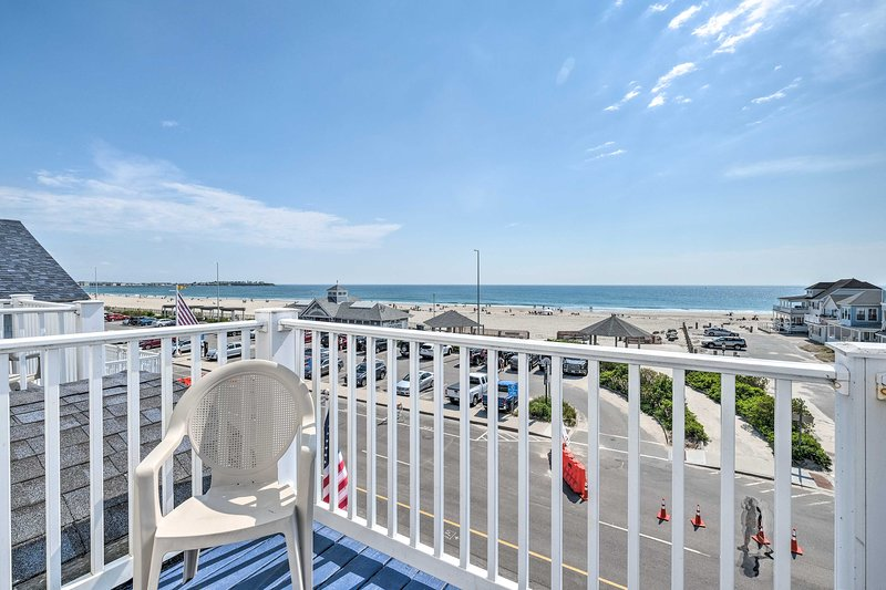 NEW! Ocean View Right Across From the Beach!, holiday rental in Hampton