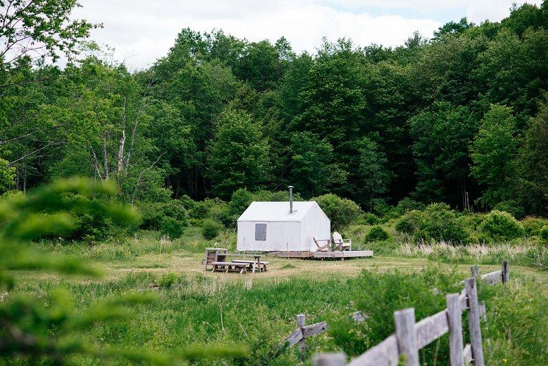 Tentrr Signature Site - El Dorado Camp, vacation rental in Roscoe