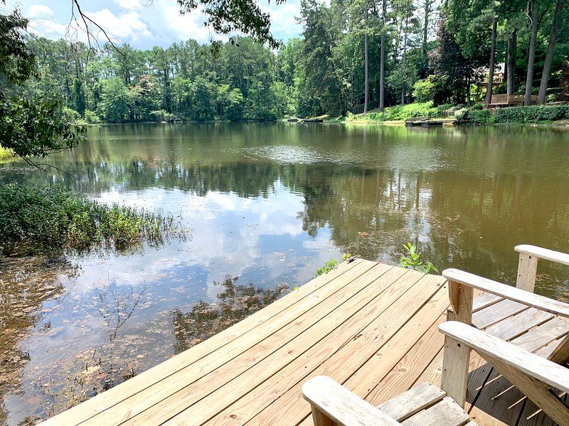 lake front walk to Roswell village, vacation rental in Hickory Flat
