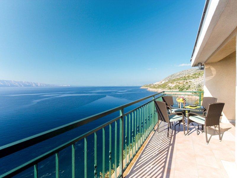 Marina (SNJ106), location de vacances à Senj