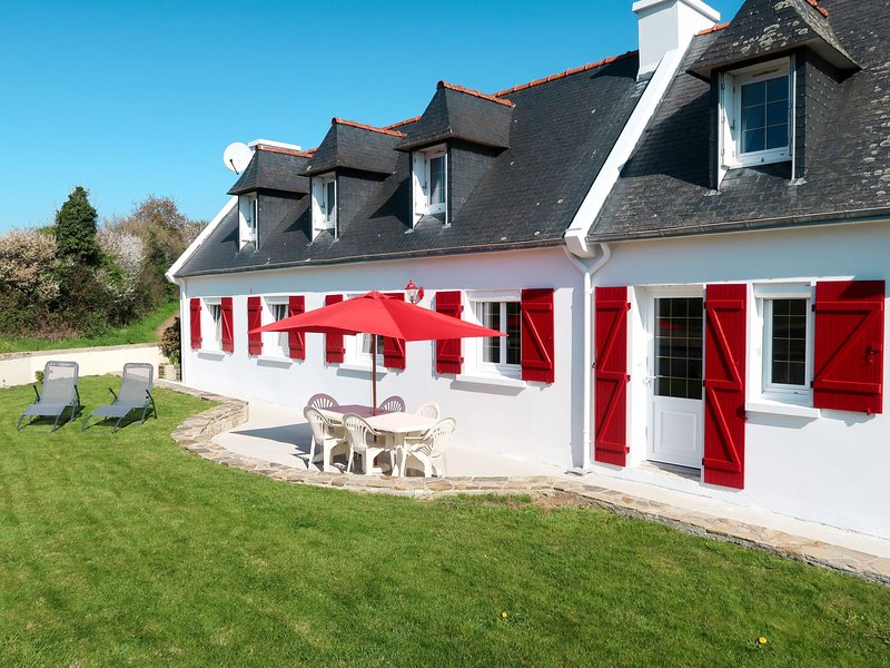 Les Volets Rouges (PEU101), vacation rental in Plovan